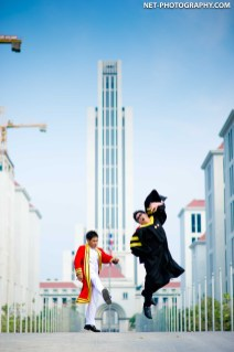 Graduation photo taken at Assumption University Bang Na campus in Thailand. ถ่ายภาพรับปริญญามหาวิทยาอัสสัมชัญ