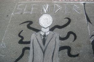 Graffiti représentant Slenderman. Crédits photo: Wikipédia.