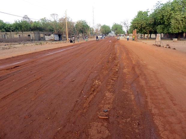 Ces derniers mois, EBOMAF-Bénin a signé avec l'Etat béninois des contrats routiers d'une enveloppe globale de 335 milliards F CFA pour la modernisation de plusieurs centaines de kilomètres de routes.