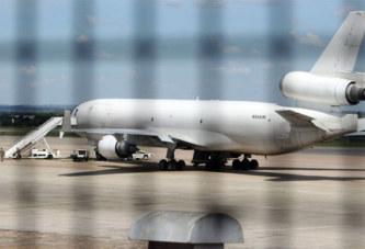 Zimbabwe : un avion saisi avec un cadavre et du cash à bord