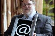 Ray Tomlinson, Le Père du @ et de l' E-mail, est mort