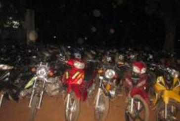 Des manifestants pro-Koglweogo aux arrêts, un militaire blessé à l'œil, des centaines de motos saisies