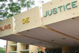 Devant le tribunal : acculé, il assigne sa débitrice en justice…  17 mai