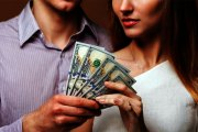 Les femmes et l'argent, ce qui se cache derrière cette attirance !