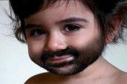 Ce bébé d'un an a entièrement développé ses organes génitaux et poils du pubis…c'est INOUÏ!!!!