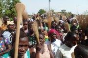 Saponé : les locaux de la mairie fermés par des manifestants