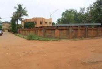 Burkina Faso: Surpris dans une chambre de passe, il prend le mur et est pris pour un voleur il se fait tabasser à mort