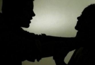 Une femme tue son mari en écrasant ses testicules car il la battait