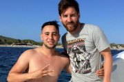Un jeune vacancier se jette à la mer et nage un kilomètre jusqu'au yacht de Messi