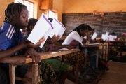 Au Burkina Faso, les écolières apprennent à ne plus avoir honte de leurs règles