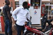 Quand les négociants suisses vendent du carburant toxique à l'Afrique