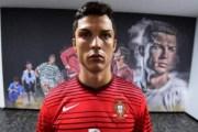 Arrêté à cause de sa ressemblance avec Cristiano Ronaldo