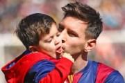 le Barça va recruter le fils de Lionel Messi âgé de 3 ans