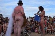 (Photos) Ils se marient nus devant plus de 700 invités