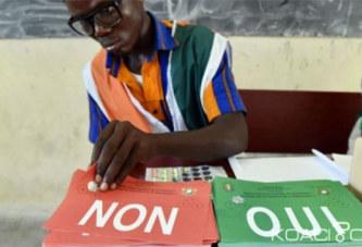 Côte d'Ivoire: Référendum, résultats provisoires, sans surprise le «oui» l'emporte sur le «non» mais avec un faible taux de participation