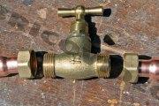 Bobo kan : le robinet devenu un outil de braquage