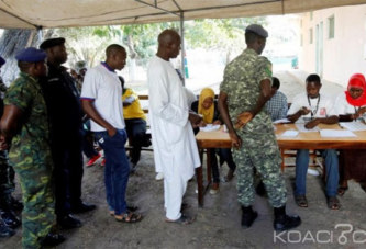Gambie: Spécificité d'une présidentielle, pas de bulletins, on vote avec des billes, les 3 candidats ont le même âge