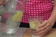 Santé: Débarrassez-vous du ventre ballonné avec cette incroyable recette détox et brûle-graisse