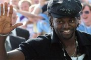 Football: Adebayor a enfin trouvé un club, il a signé ce mardi!