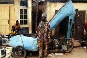 Inspiration: Impressionnant! Un nigérian transforme une moto en une chaussure géante à haut talon (PHOTO)
