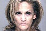 Elle tire à trois reprises dans les parties génitales de son mari qui dormait  Facebook