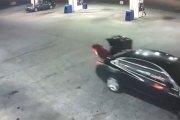 En plein enlèvement, elle s'échappe du coffre de la voiture de son ravisseur (vidéo)