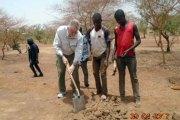 Axe Koupéla-Fada N'Gourma : l'ambassadeur américain salue le patriotisme des volontaires qui bouchent les trous