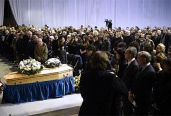 Incroyable, il se reveille en larme à ses obsèques