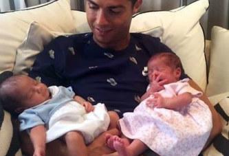Cristiano Ronaldo publie enfin une photo de ses jumeaux