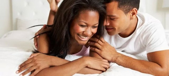 8 choses que les hommes ne font qu'avec la femme qu'ils aiment