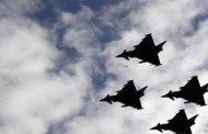 Espagne: crash d'un avion militaire après le défilé de la fête nationale