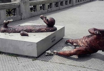 La statue de Messi coupée au niveau des chevilles à Buenos Aires