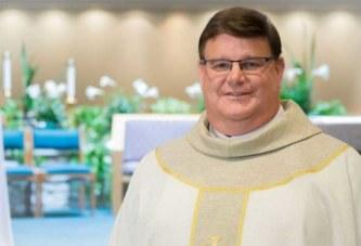 Un prêtre annonce son homosexualité après 25 ans de sacerdoce pour «vivre sa vie ouvertement»