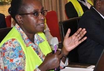 Un médecin kényan, avocate de l`excision