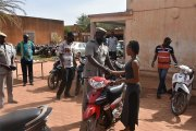 Vols d'engins à 2 roues: la police redonne le sourire à des victimes