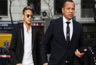 PSG : Neymar ne quittera pas le club, son père apporte des précisions