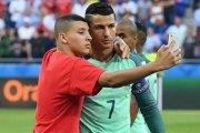 Portugal - Pays-Bas interrompu pour des selfies avec Ronaldo