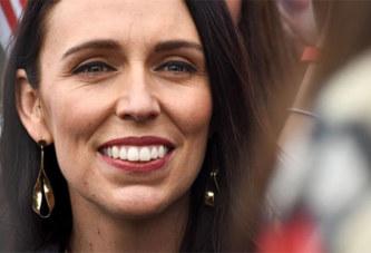 Nouvelle-Zélande: La Première ministre célibataire, en congé de maternité