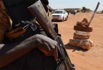 Burkina Faso: Des FDS en «love serré»,  kalachnikov en bandoulière pendant les heures de garde