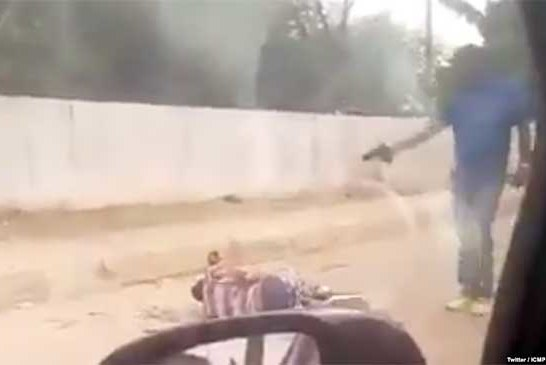 Vidéo – Angola: Un policier filmé en train d'abattre à bout portant un suspect