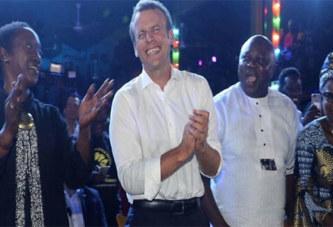 Emmanuel Macron en boîte de nuit à Lagos: c'est quoi cette histoire ?