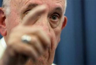 Religion: Un complot visant le pape?