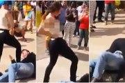 Une femme attaque un homme avec ses seins après qu'il l'ai harcelé