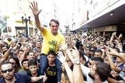 Présidentielle au Brésil : le candidat d'extrême droite poignardé en pleine rue