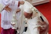 Photos: Cette seconde chute du Pape François inquiète
