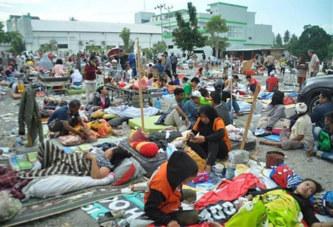 Indonésie : Près de 400 personnes décédées après un tsunami
