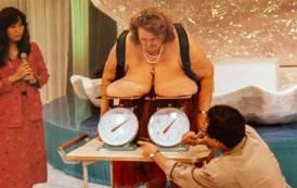 35 kilos chacun, la «femme aux plus gros seins du monde» n'est plus ( Vidéos)