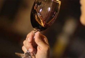 Russie : il poignarde sa petite amie 129 fois, puis dévore son cœur avec un verre de vin