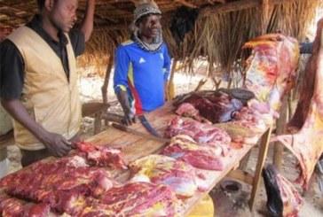 Bamako: les bouchers observent un arrêt de travail après la mort de deux des leurs dans une bavure