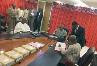 Premier ministère : passation de charges sans commentaire